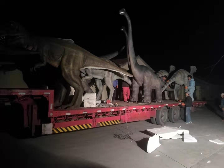 恐龙雕塑项目部分完工,出厂安装(组图)。