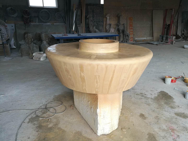 玻璃钢仿木纹座椅制作完成(组图)
