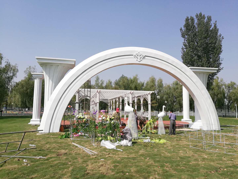 不锈钢婚庆拱门花柱雕塑
