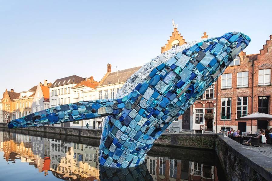 """5吨海洋垃圾做成的""""鲸鱼""""雕塑,环保与艺术的完美结合(组图)"""